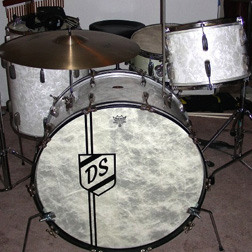 photo gallery custom bass drum heads more vintage logos. Black Bedroom Furniture Sets. Home Design Ideas